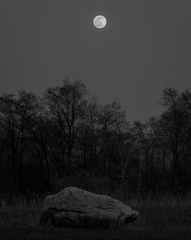 Moonrise over Good Ol' Rock
